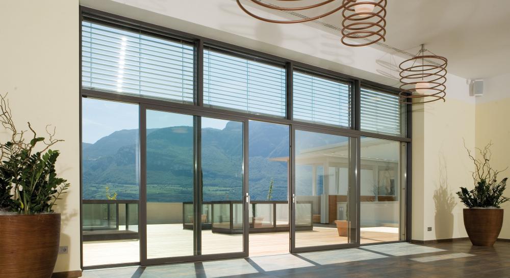 Ecco Vista, la parete vetrata Finstral con serramento in alluminio - Serramenti Torino