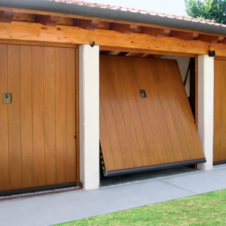 Porta di garage basculante - Serramenti Torino