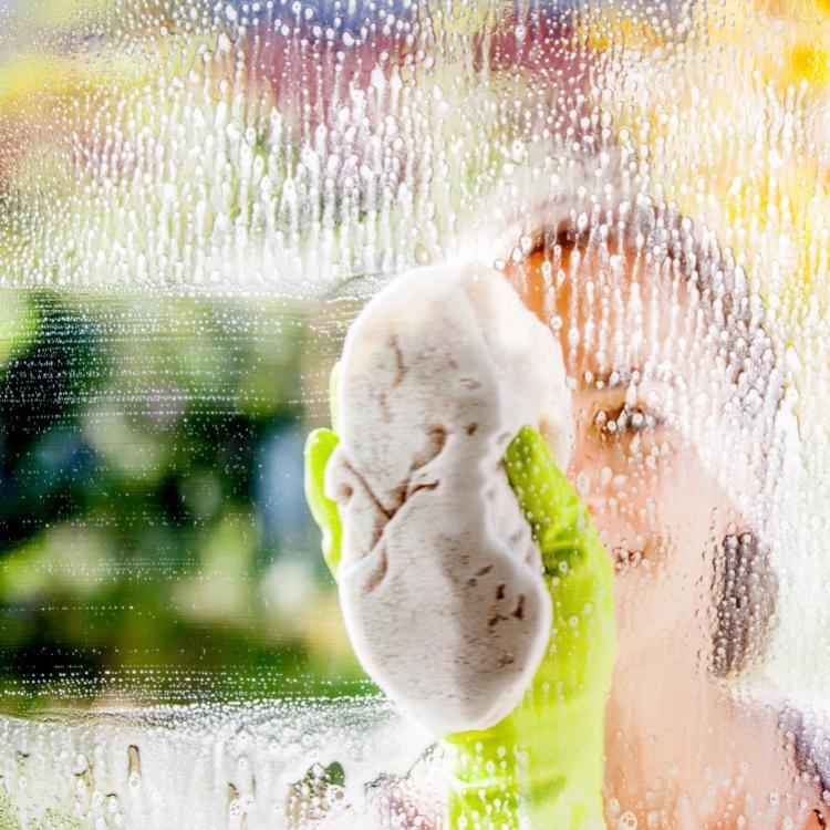 Per la pulizia del vetro potete utilizzare i vostri prodotti abituali  - Serramenti Torino
