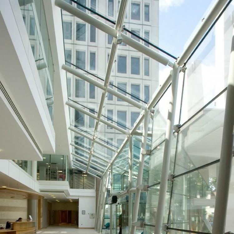 I vetri basso emissivi riducono le dispersioni termiche e i conseguenti costi energetici di riscaldamento - Serramenti Torino