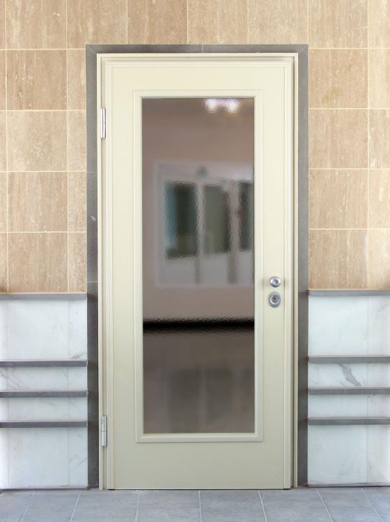 La porta blindata Classe 3 Sun Light di Torterolo & Re è il perfetto connubio di luce e sicurezza. - Serramenti Torino